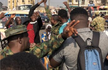 Soldiers join EndSARS protest in Ibandan